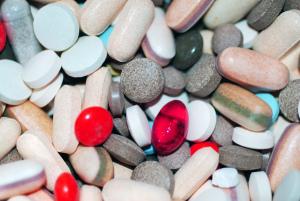 Cocktail of drugs. Phillppa Willitts on Flikr. https://www.flickr.com/photos/hippie/2563571511